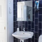 bathroom doubleroom